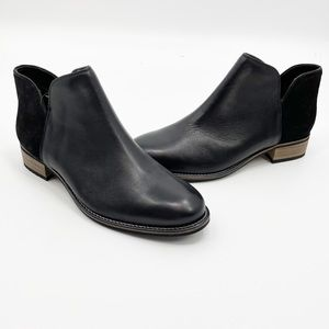 NWT Crevo Primrose Contrast Leather Ankle Boot 9.5